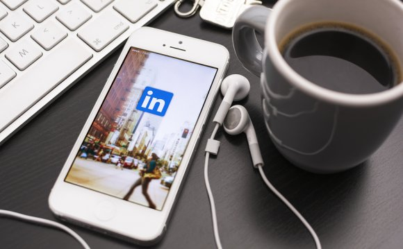 15 LinkedIn Tricks That Land